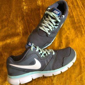 Nike Flex Athletic Shoe's Women's 7